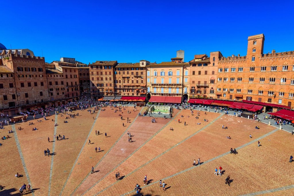 Best Tuscany road trip - Piazza del Campo from Mangia Tower in Siena