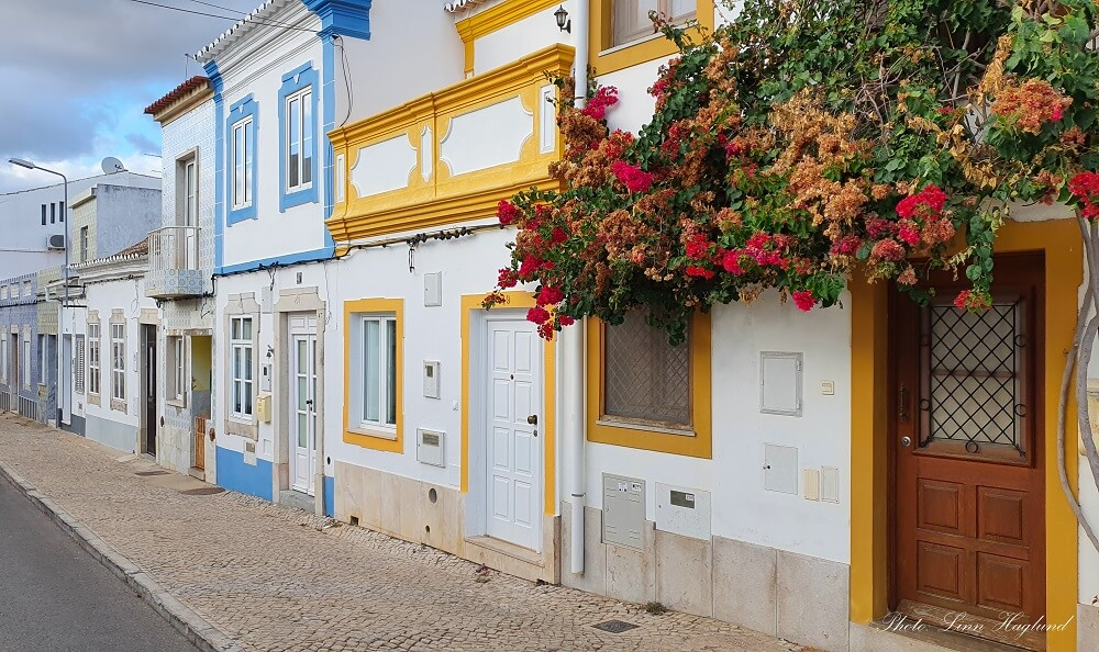 Best things to do in the Algarve - get lost in the streets in Tavira